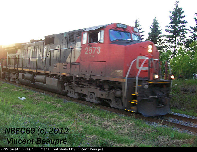 CN 2573 on the 402 East